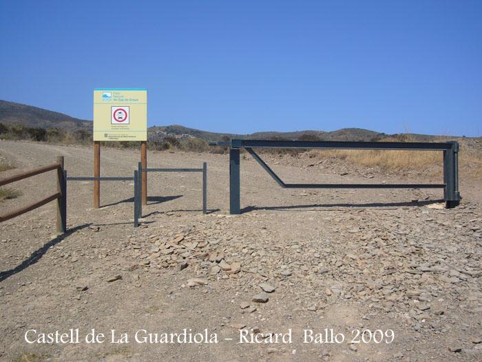 castell-de-la-guardiola-090729_503