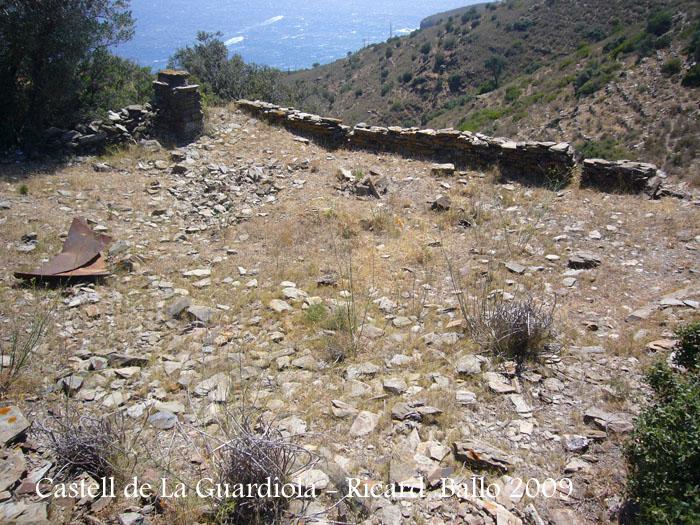 castell-de-la-guardiola-090729_521