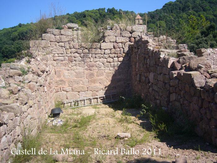 castell-de-la-miana-110909_536