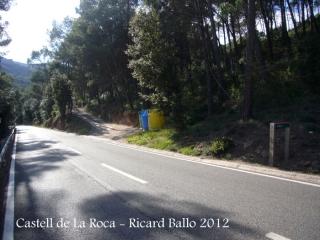 Castell de La Roca. Aquesta fotografia està feta en sentit invers de la marxa a com es descriu a l'itinerari.