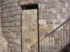 Castell de l'Ametlla de Segarra - Montoliu de Segarra - Fins i tot, la porta d'entrada a la part baixa de la torre, ha estat revestida amb pedra.