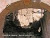 Castell de Llanera -  Com podem comprovar, la porta està completament inundada de materials.