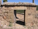 Castell de Lloberola - Porta d'entrada al cementiri.
