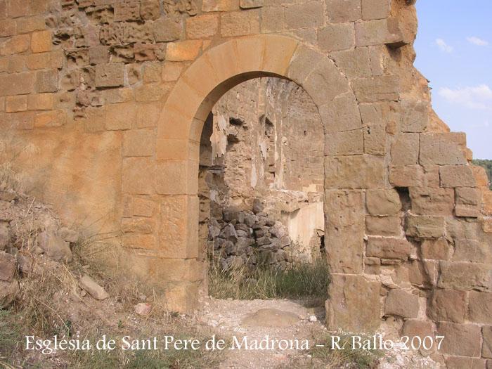 castell-de-madrona-070829_07