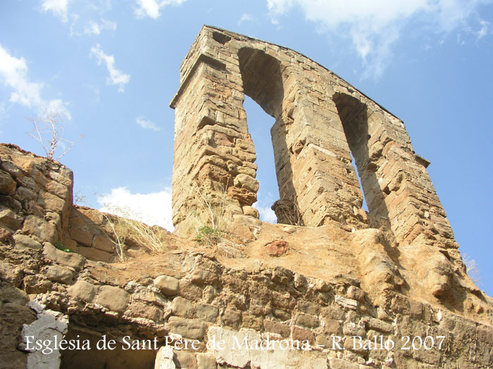 castell-de-madrona-070829_10