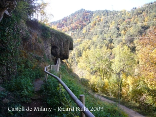 cami-al-castell-de-milany-font-de-la-tosca-091029_507