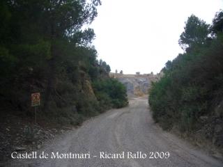 Camí al castell de Montmarí - Entrada que obviem, a la zona on hi ha una industria d'extracció d'àrids.