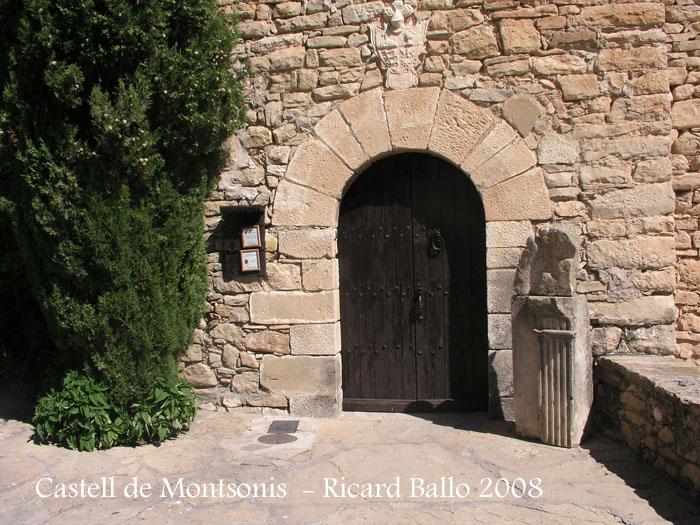 Porta d'entrada principal. Per aquest lloc s'inicien les visites guiades.