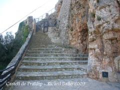 Escales d'accés al castell de Pratdip.
