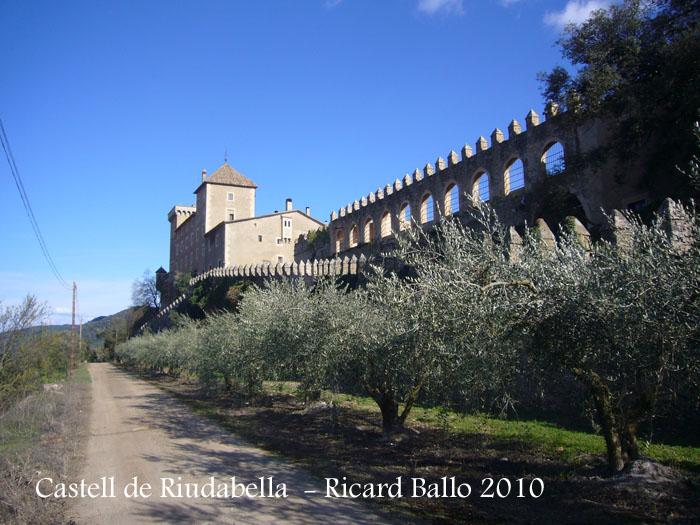 castell-de-riudabella-100401_525