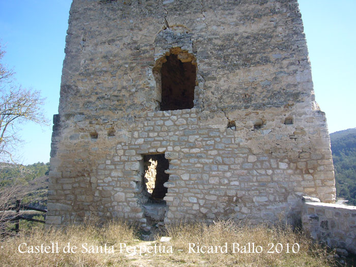castell-de-santa-perpetua-100316_525