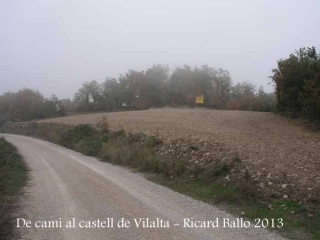 Castell de Vilalta – Sant Guim de Freixenet - Hem aparcat al voral.