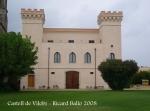 Castell de Vilobí - Façana davantera.