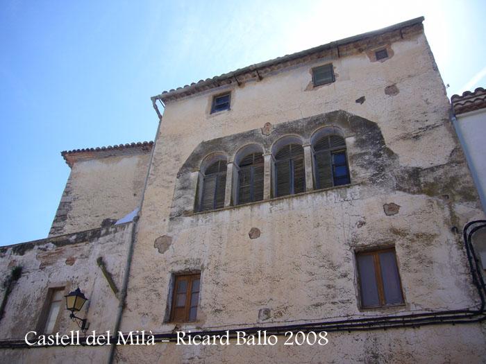 castell-del-mila-080503_511