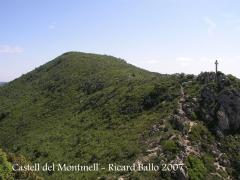 Castell del Montmell: Camí d'accés - Al fons La Talaia.
