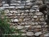 """Castell dels Montgons – La Canonja - A la fotografia es poden apreciar unes fileres """"d'opus spicatum"""", tècnica constructiva força antiga."""