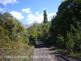 Camí al castell d'Erillcastell - Inici recorregut per pista de muntanya.