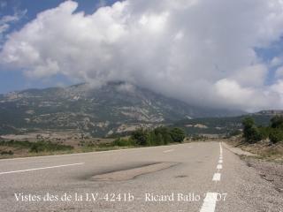 Castell d'Odèn. Carretera LV-4241b, de Solsona a Sant Llorenç de Morunys.