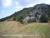Castell d'Orenga - Cal deixar l'esperó de roca a la nostra dreta.