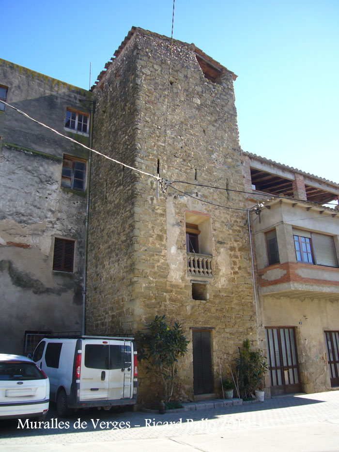 castell-i-muralles-verges-100206_512