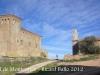 Castell de Montcortès. A la dreta de la fotografia l\'església de Santa Anna de Montcortès.