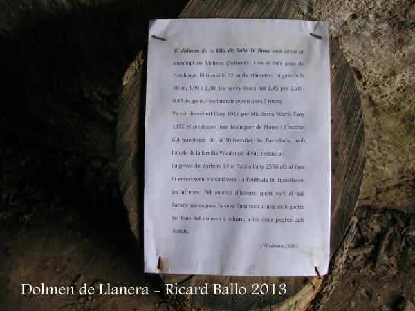 Dolmen de Llanera - Informació que de manera ben precària es posa a disposició dels visitants al mateix dolmen.