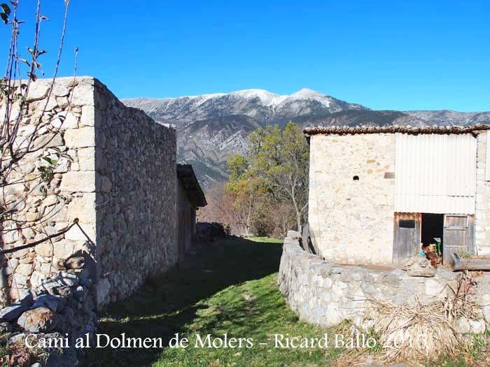 """Camí al Dolmen de Molers - Restaurant """"El Cruse"""" - Inici camí a peu"""