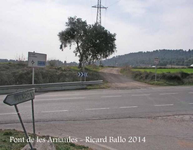El Pont de les Arnaules – Manresa - Lloc d'inici de l'itinerari. El camí de terra que es veu, és per on continuarem.