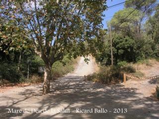 Ermita de la Mare de Déu de la Salut – El Papiol -Lloc on hem aparcat i on hem iniciat el camí a peu.
