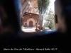 Ermita de la Mare de Déu de l'Abellera – Prades - Fotografia obtinguda adossant de forma precària, l'objectiu de la màquina de fotografiar a través de la petita obertura d'una finestra que hi ha a la primera porta.