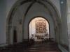 Ermita de la Mare de Déu de Montanyans – Castellet i la Gornal - Aquesta fotografia de l'interior de l'església ha estat obtinguda posant la màquina de fotografiar dins de la petita obertura de forma rectangular que hi ha al costat de la porta d'entrada, que naturalment, estava tancada.