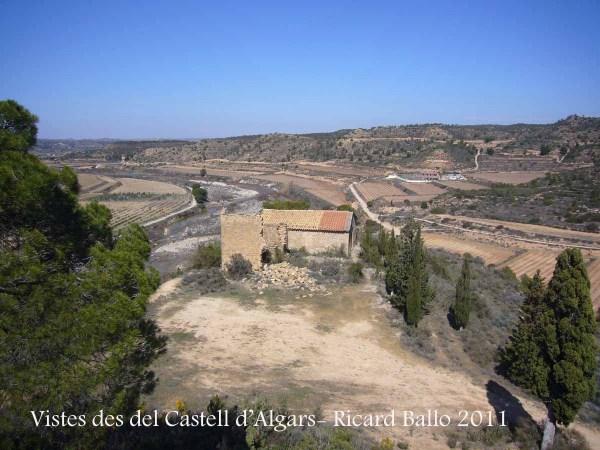Vistes de l'ermita de Sant Joan d'Algars des del Castell d'Algars - Batea