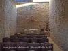 Ermita de Sant Joan de Maldanell – Maldà - Fotografia de l'interior de l'ermita, aconseguida introduint l'objectiu de la màquina de fotografiar a través d'una petita obertura que hi ha a la porta d'entrada.