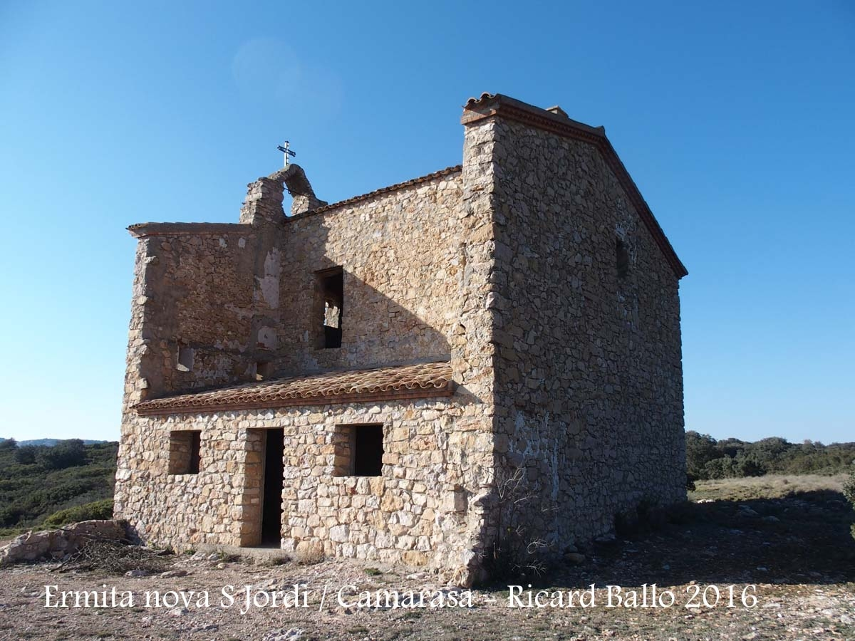 Ermita NOVA de Sant Jordi - Camarasa - vista d'una façana lateral