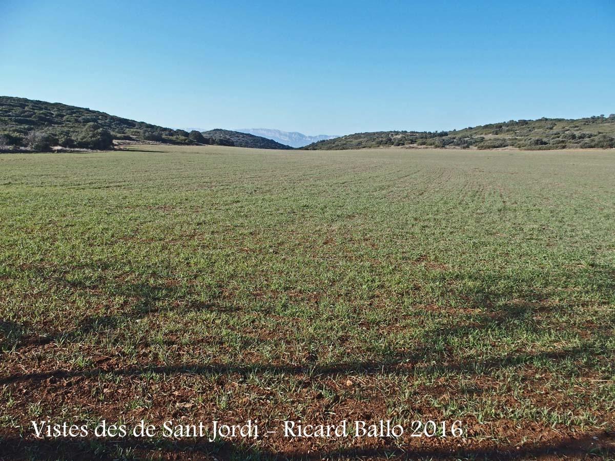 Vistes des de les restes de l'Ermita VELLA de Sant Jordi – Camarasa