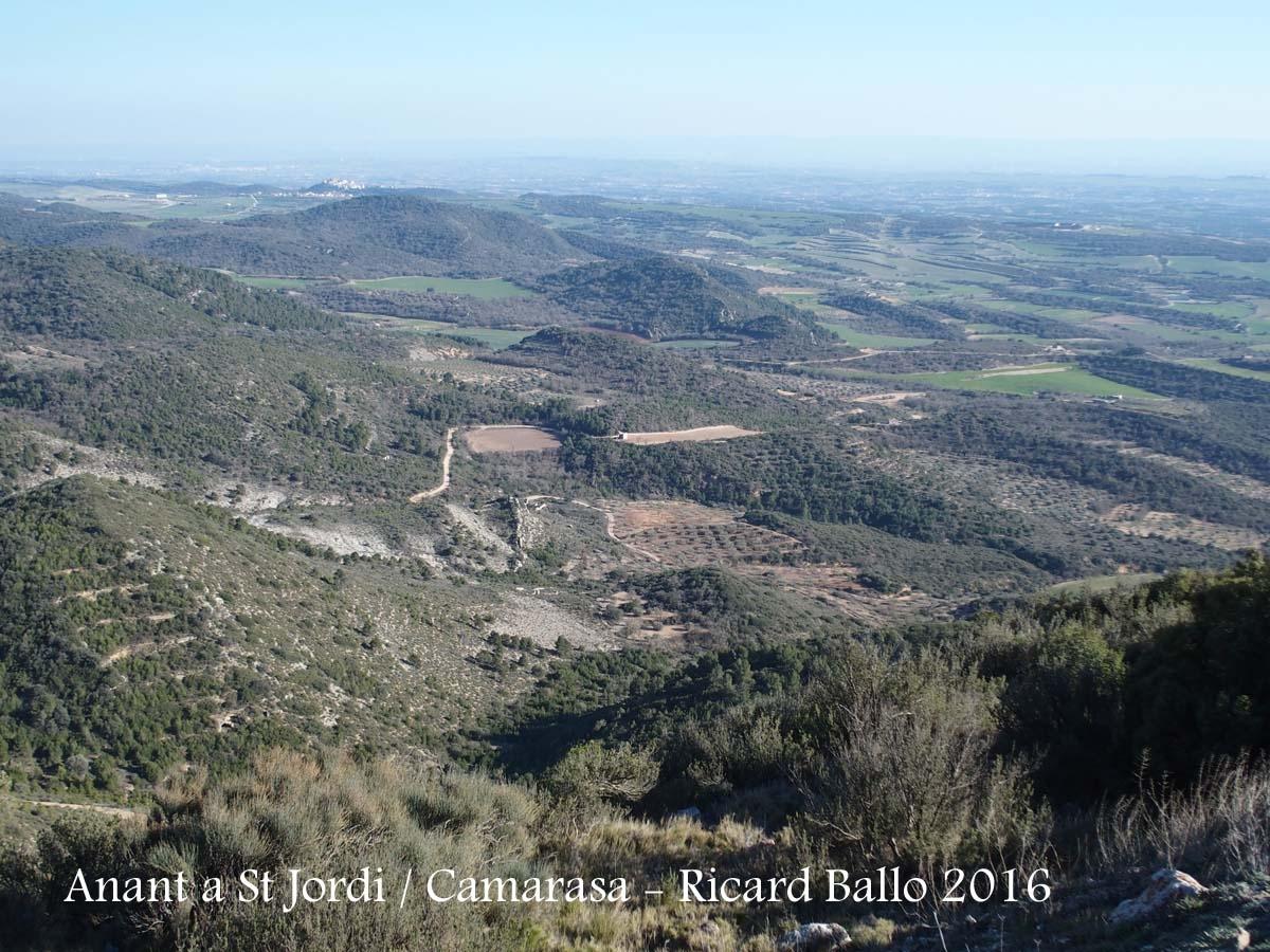 Durant el camí a l'Ermita de Sant Jordi – Camarasa, ens acompanyen aquestes boniques vistes al nostre voltant