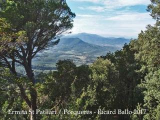 VIstes des del camí d'accés a l'Ermita de Sant Patllari – Porqueres