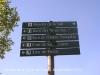 Ermita de Sant Quirc de Taüll. Durant el camí veurem indicacions per anar a llocs de noms evocadors.