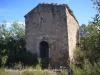 Ermita de Santa Susanna – Biosca - Tot i que aquesta fotografia sembli distorsionada, en realitat no ho està, és la viva imatge d'aquesta construcció.