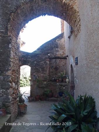 Ermita de Togores – Sabadell - Masia Can Pagès Vell