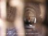 Interior de l\'església de la Mare de Déu del Castell de Llorenç – Camarasa - Fotografia obtinguda a través d\'una petita obertura que hi ha a la porta d\'entrada.