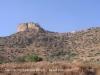 Vistes als voltants de l\'església de la Mare de Déu del Castell de Llorenç – Camarasa - A l\'esquerra de la fotografia apareix la penya on dalt de tot hi ha les restes del Castell de Llorenç. A la dreta, l\'església de la Mare de Déu del Castell de Llorenç.