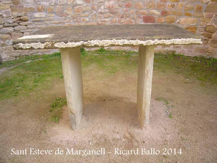 Església de Sant Esteve de Marganell - Altar.