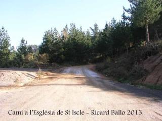 Lloc d'inici del nostre itinerari a l'església de Sant Iscle i Santa Victòria de Sauleda – Santa Coloma de Farners