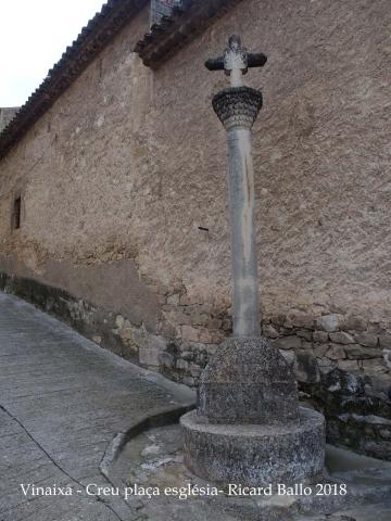 Vinaixa - Creu de la plaça de l\'església.