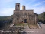 Església de Sant Julià de Coaner – Sant Mateu de Bages - Darrere, apareix la torre de l'antic Castell de Coaner.