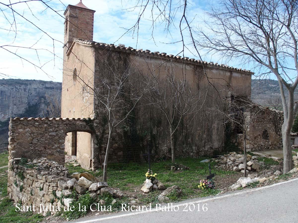 Església de Sant Julià de la Clua – Artesa de Segre - En primer terme, el cementiri
