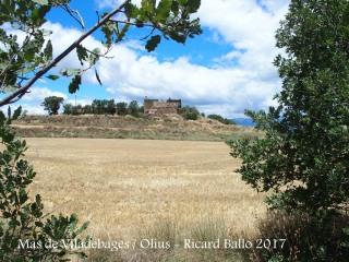 Camí a l'Església de Sant Julià de Viladebages – Olius - L'edificació que apareix aquí és la Masia de Viladebages