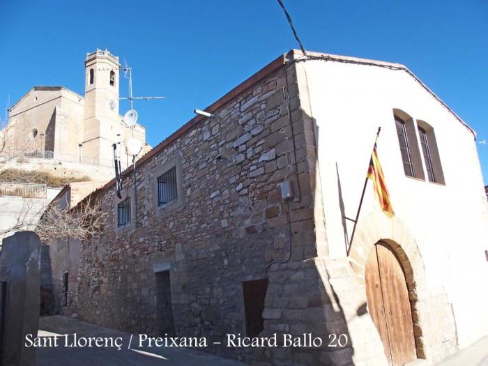 Església de Sant Llorenç – Preixana - Al darrere hi apareix l'església de Santa Maria