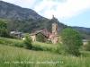 Església de Sant Martí d'Ars – Valls de Valira - En primer terme el campanar de l'església. Darrere, al fons, restes del castell d'Ars